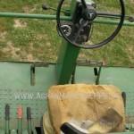 Combina John-Deere model 730 imagine scaun sofer cu volan si panou control