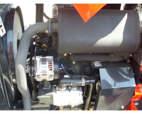 Tractor Branson 5020 R detaliu electromotor