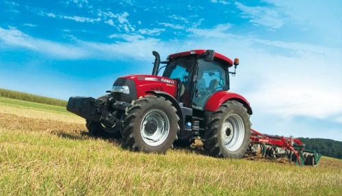 Tractor Case Maxxum 140 in actiune la muncile campului