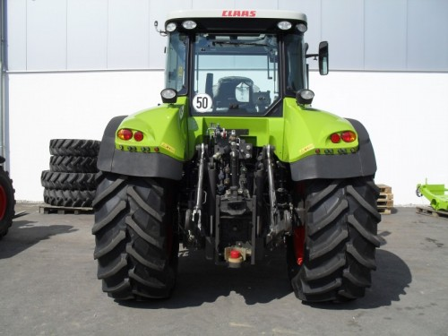 Tractor Claas Arion 640 Cebis vedere din spate cu dispozitiv remorchare
