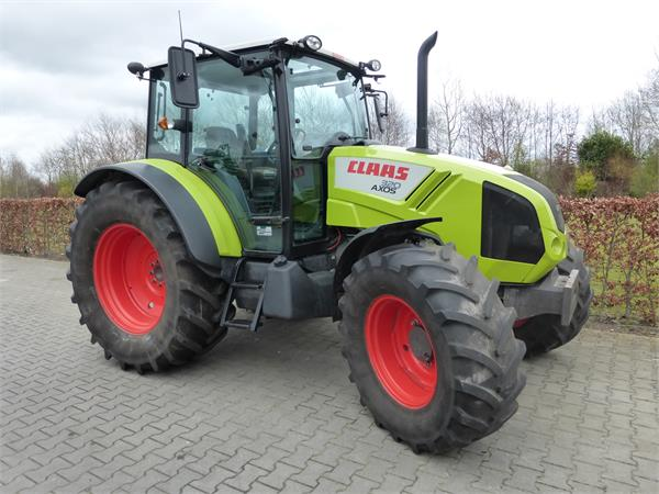 Tractor Claas Axos 320 vedere din lateral dreapta