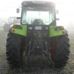 Tractor Claas Axos 320 vedere din spate cu dispozitivul de remorchare