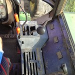 Tractor John Deere 3350 s interior cabina panou control