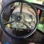 Tractor John Deere 3350 s interior cabina volan