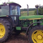 Tractor John Deere 3350 s vedere lateral stanga