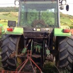 Tractor John Deere 3350 s vedere partea din spate