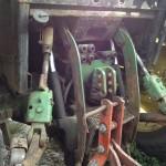 Tractor John Deere 3350 s vedere partea din spate cu carlig remorchare