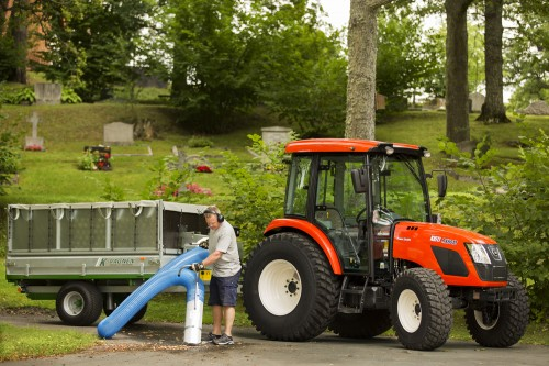 Tractor Kioti model RX6010 in timpul lucrarilor