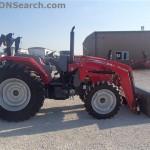 Tractorul Massey Ferguson 4608 cu incarcator DL250 lateral dreapta
