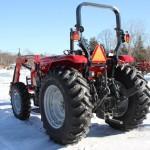 Tractorul Massey Ferguson 4608 vedere din spate