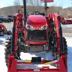 Tractorul Massey Ferguson 4608 vedere frontala