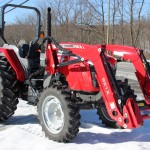 Tractorul Massey Ferguson 4608 vedere lateral dreapta