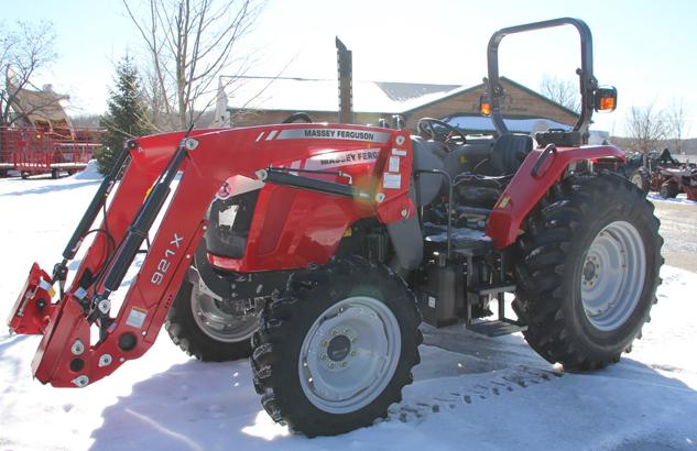 Tractorul Massey Ferguson 4608 vedere laterala stanga