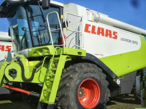 combina claas model lexion 570 vedere din lateral stanga