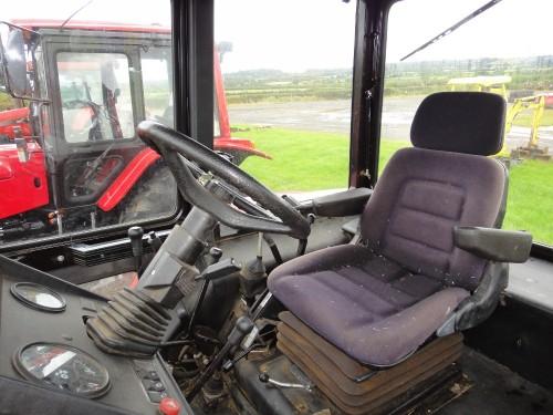 tractor BELARUS MTZ 952.3 vedere din interior