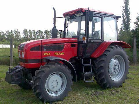 tractor BELARUS MTZ 952.3 vedere laterala stanga