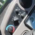 tractor Claas Celtis vedere din cabina de comanda cu detaliu butoane control