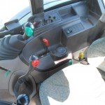 tractor Claas Celtis vedere din cabina de comanda cu panoul de control