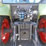 tractor Claas Celtis vedere din spate cu detaliu dispozitiv de remorchare