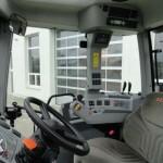 tractor claas axion 840 cmatic 240cp interior cabina cu panou de comanda