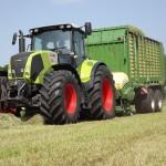 tractor claas axion 840 cmatic 240cp la lucru pe campul agricol