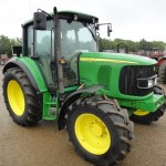 tractor john deere model 6220 vedere din dreapta fata
