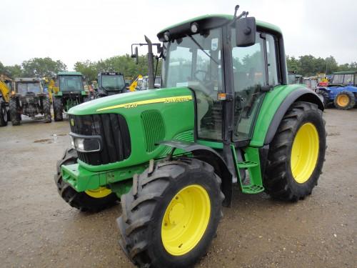 tractor john deere ACmodel 6220 vedere din stanga fata
