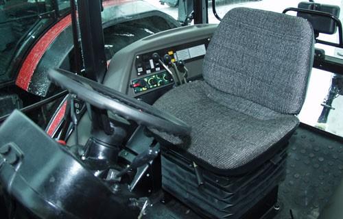 tractor mtz belarus 1221 interior cabina de comanda