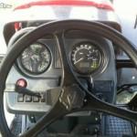 tractor mtz belarus 1221 interior cabina volan si panou control