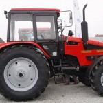 tractor mtz belarus 1221 vedere dreapta fata