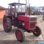 tractor u445 vedere dreapta fata cu cabina