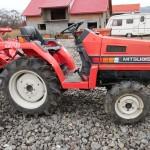 tractoras japonez mitshubishi vedere din lateral