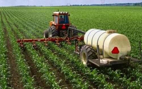 utilaje de fertilizare a culturilor